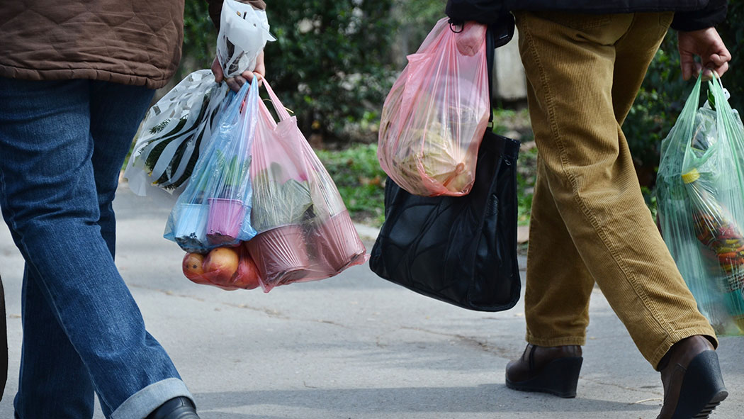 New York state lawmakers are ringing in the new year with at least one clear resolution: Cut down on single-use plastics.