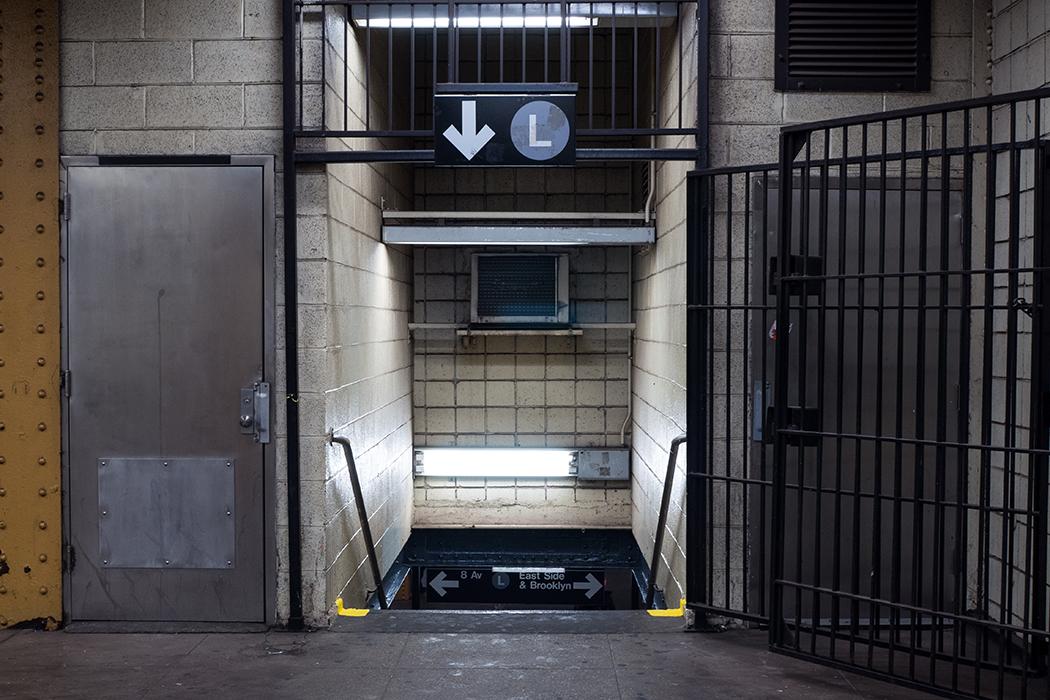 L train subway sign